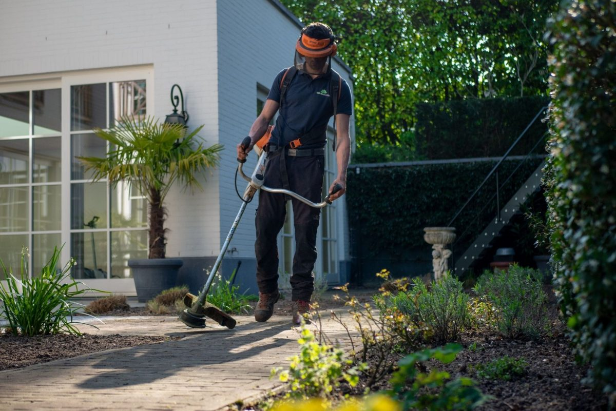 garden maintenance - rightsize your home
